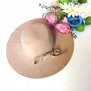 💕 Felt Hat Tan With A Bow Fall Fashion
